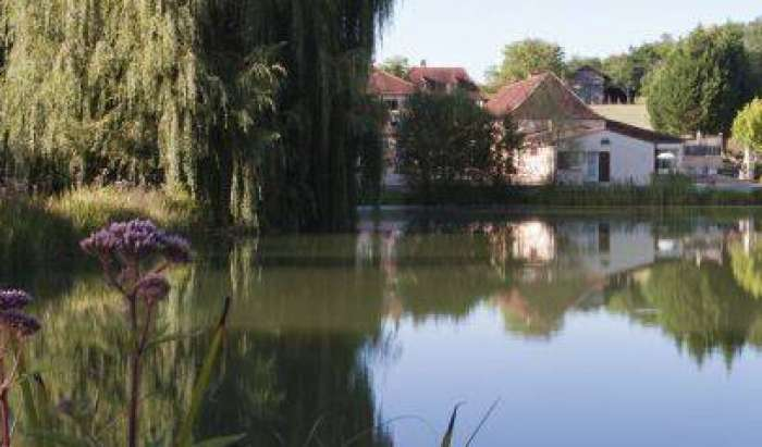 book hotels and hostels now with IWBmob in Bergerac, France